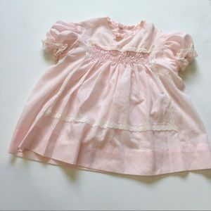 Other - Vintage baby girl smocked lace detailed dress💞